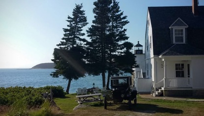 Lightkeeper's Cottage & lighthouse
